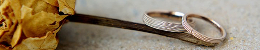 Fuliog sheの婚約指輪、結婚指輪