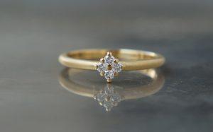 【栄】様々なスタイルの婚約指輪