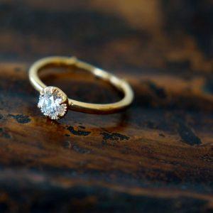 婚約指輪の一例
